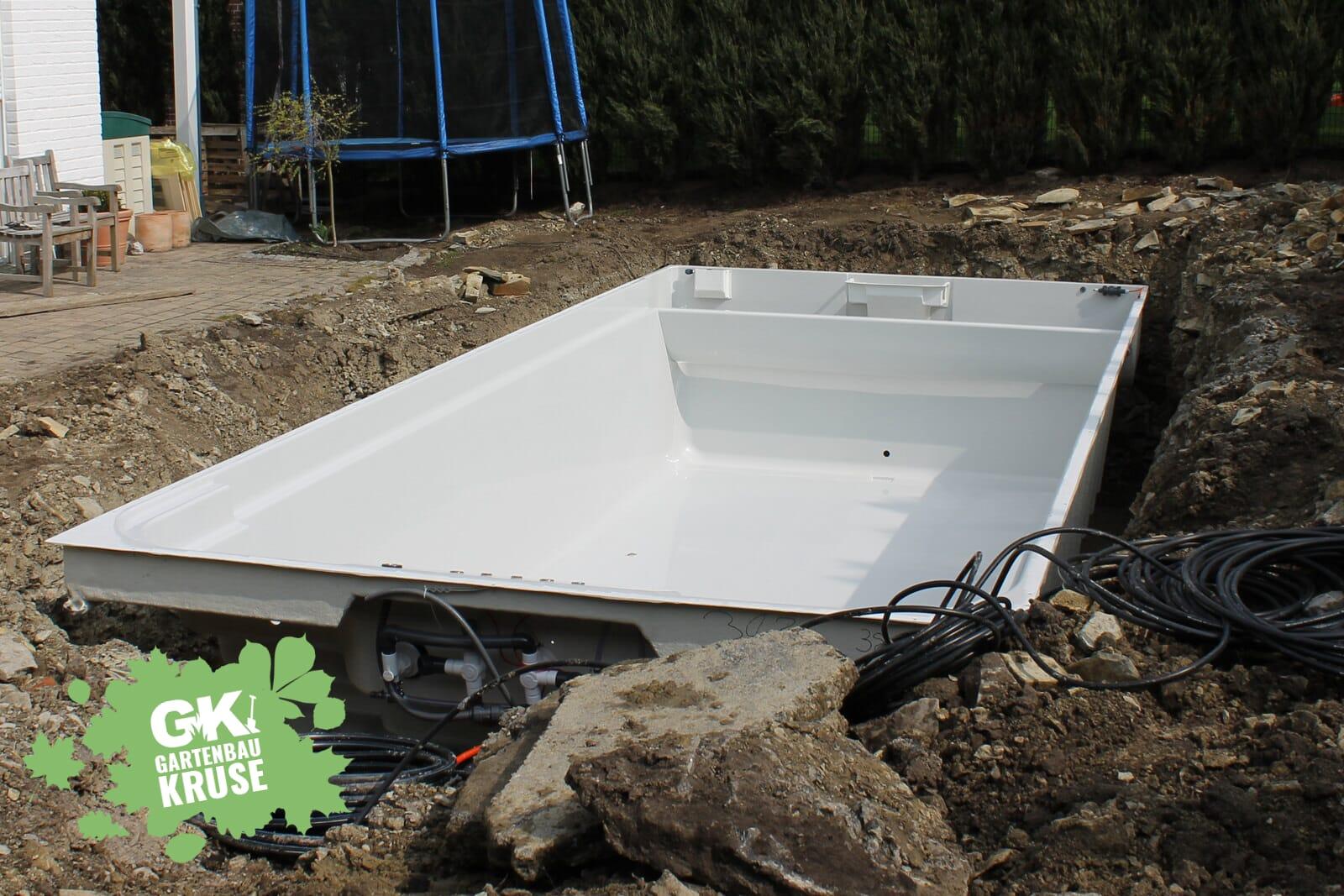 Poolbau & Schwimmbadbau - GartenbauKruse.de - Polyester, GFK, Beton ...
